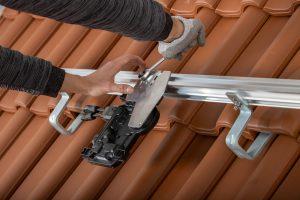 Aufdach-Anlage ergänzt das PV-Sortiment von Creaton